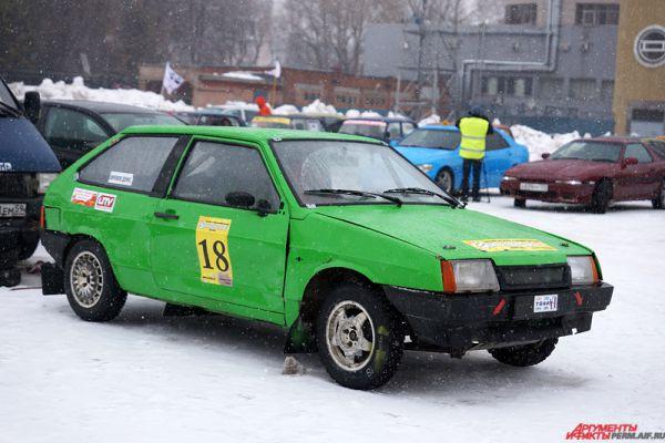 На мероприятии были представлены, в основном, машины российского производства.