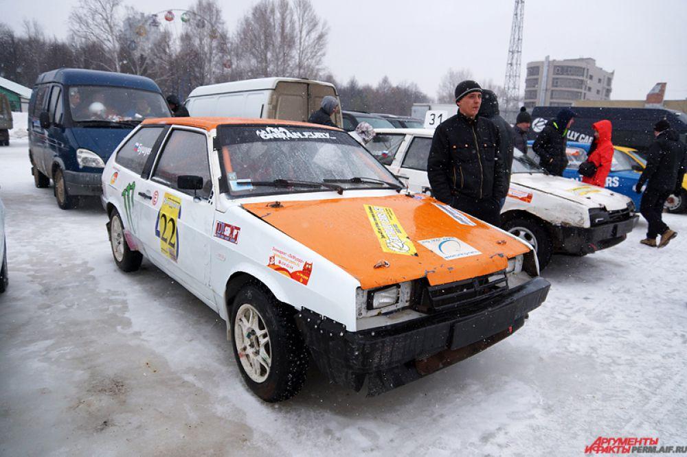 Зрелищные ледовые гонки прошли в Перми в воскресенье, 22 марта.