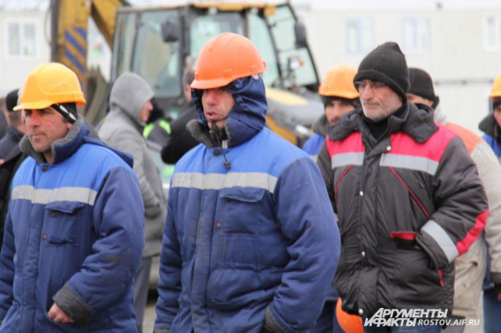 На стройплощадке в течение года будут работать около 800 турецких специалистов. Всего сейчас на объекте в две смены трудятся 680 человек.