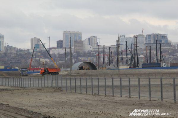 Вид на будущий стадион со стороны Батайска.
