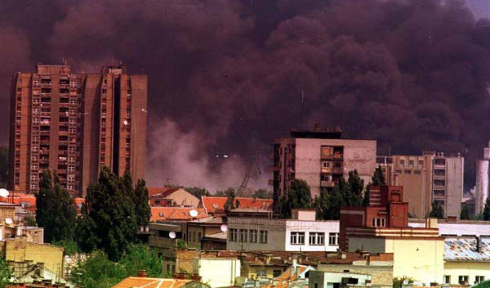 К 1999 году четыре из шести союзных республик Югославии (Словения, Хорватия, Босния и Герцеговина, Македония) отделились, оставшиеся – Сербия и Черногория - превратились в Малую Югославию.