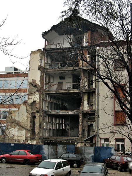 Сербское правительство согласилось на ввод в Косово военного контингента НАТО и переход края под управление ООН.
