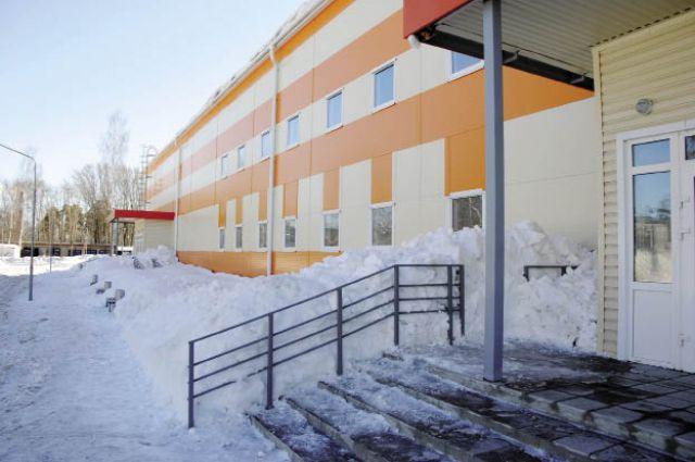 Краснокамский ледовый дворец признали лучшим всероссийским спортивным объектом 2014 г. А на этой неделе у него снова начала протекать крыша.