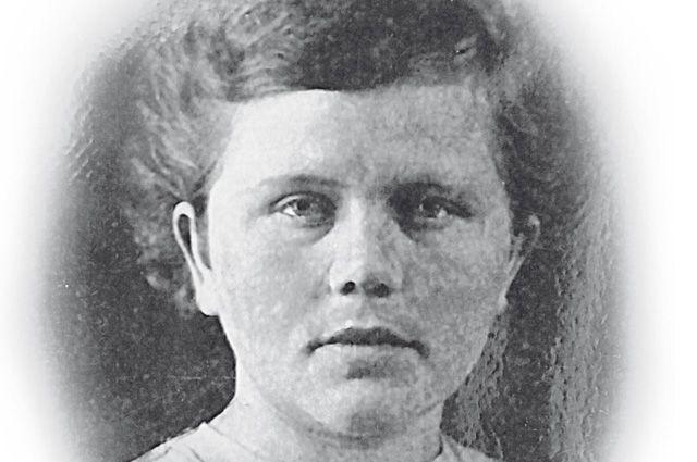 Алиме Абденанова была простой крымской девчонкой.