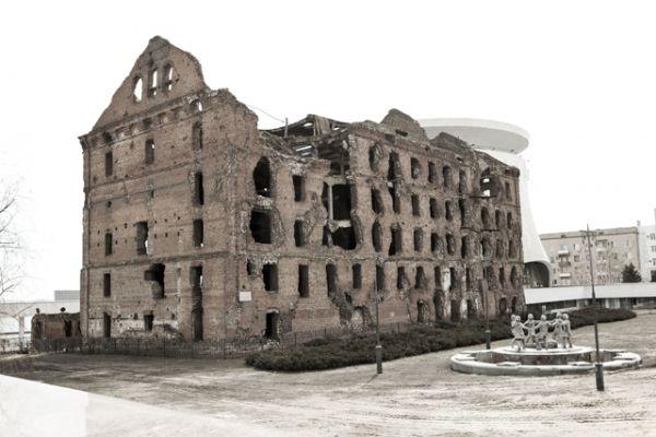История мельницы началась в 1899 году, когда семья предпринимателей Гергардтов получила разрешение на постройку мукомольного комплекса.