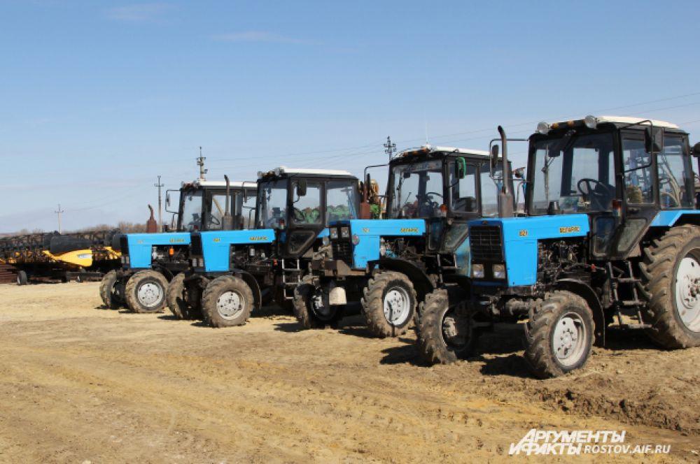 На полях районов области ведётся весенняя подкормка озимых культур и другие виды полевых работ.