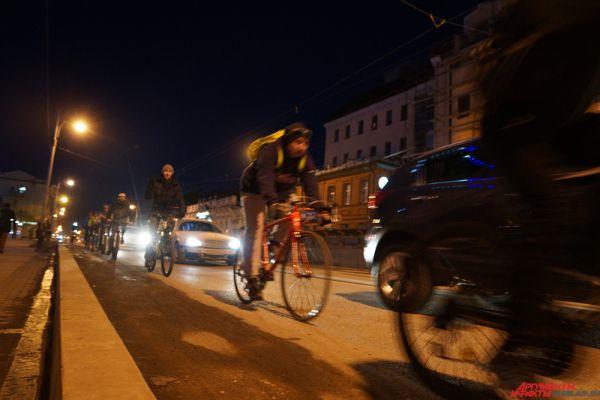 «Становясь максимально ярким и заметным, велосипедист повышает свою безопасность на дороге», – отметили организаторы.