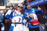 Сурдлимпийские чемпионы в скиатлоне Анна Федулова и Владимир Майоров.