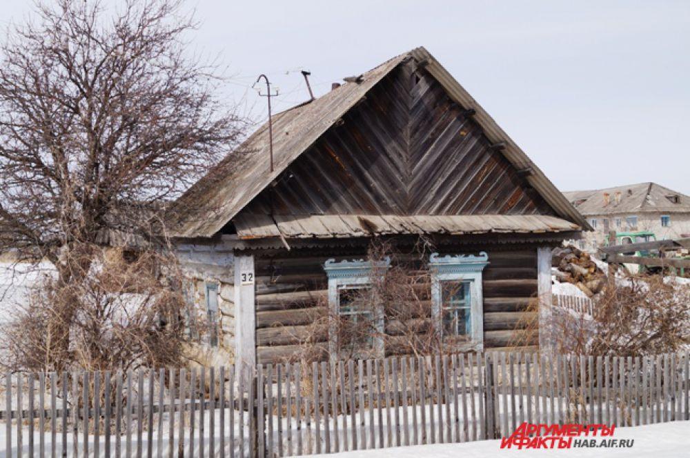 Первых домов, построенных переселенцами в Полётном почти не осталось.