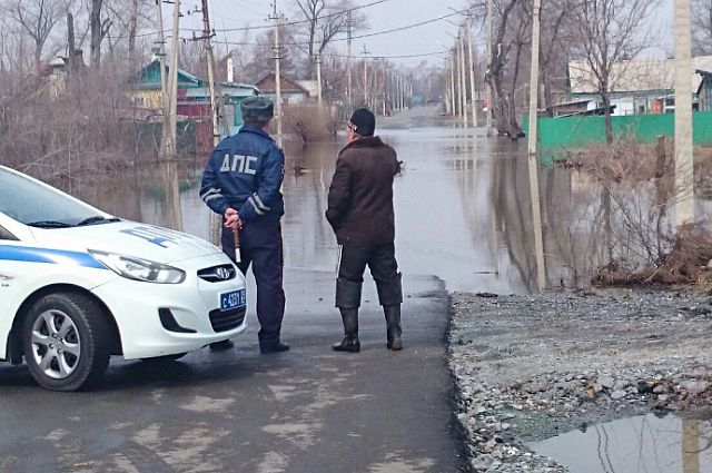 Реки в Спасске-Дальнем вышли из берегов и затопили улицы.