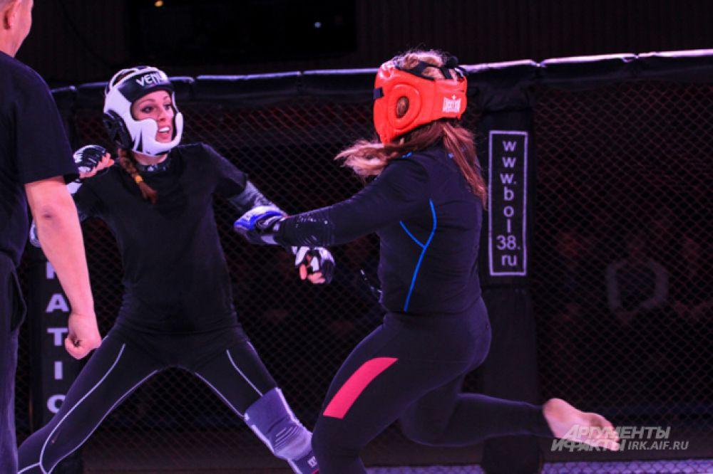 Спортсменки сделали все возможное и исход боя зависел только от судей.
