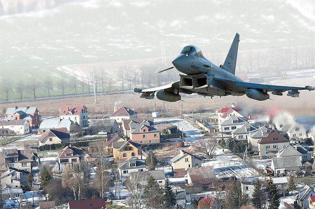 Они всё ближе: истребитель «Тайфун» ВВС Италии в небе над Прибалтикой.