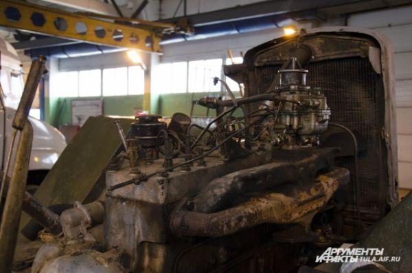 Несмотря на солидный возраст, ходовая часть машины неплохо сохранилась и крупного ремонта не потребовала.