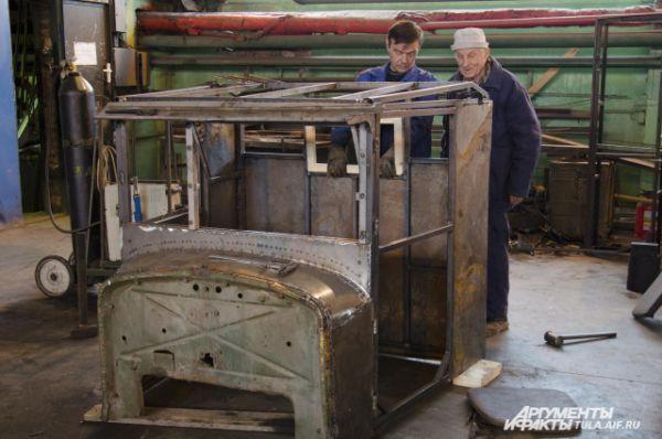 Кабину грузовика специалистам пришлось восстанавливать заново – от нее осталось лишь несколько деталей.