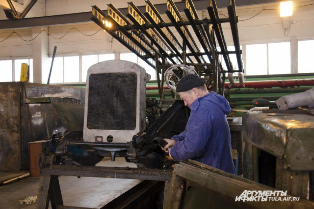 «Катюша» устроена очень просто – мотор, коробка пеедач, радиатор, система охлаждения и механические тормоза – никаких «наворотов»