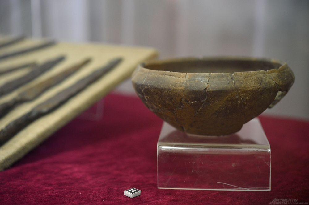 Глиняная миска. Начало V тыс. до н.э. Могильник Вочепшийский I.