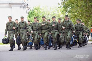 С 1 апреля по 15 июня 2015 г. служить пойдут 150 тыс. молодых россиян.