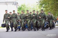 С 1 апреля по 15 июля 2015 г. служить пойдут 150 тыс. молодых россиян.