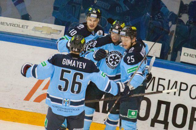 Хоккейная «Сибирь» одержала первую победу в финале конференции