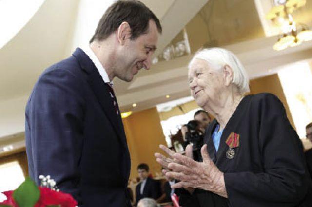 Дмитрий Осипов вручил юбилейные медали и пообщался с ветеранами-калийщиками.