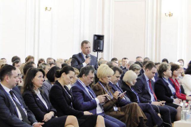 На каждой дискуссионной площадке побывало около 300 человек.