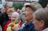 Пенсионерам урезают выплаты