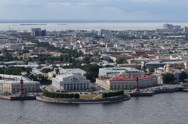 Этот вид стал визитной карточкой Петербурга.