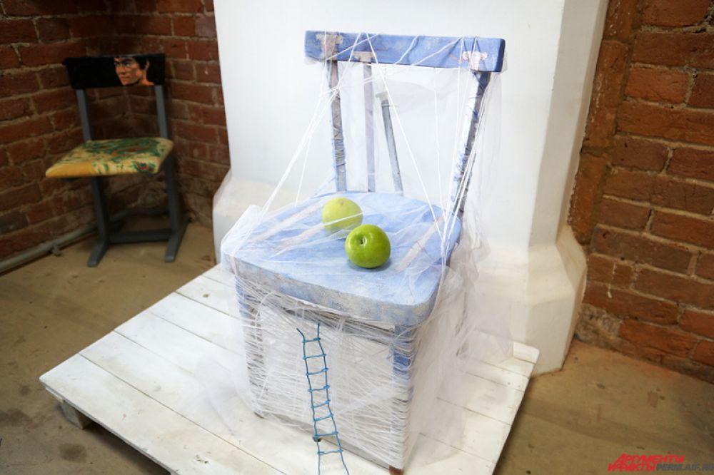 В Перми открылась выставка, посвященная стулу.