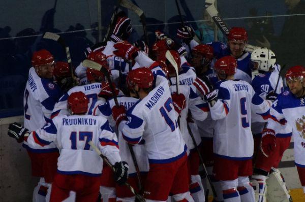 Сборная России празднует победу!