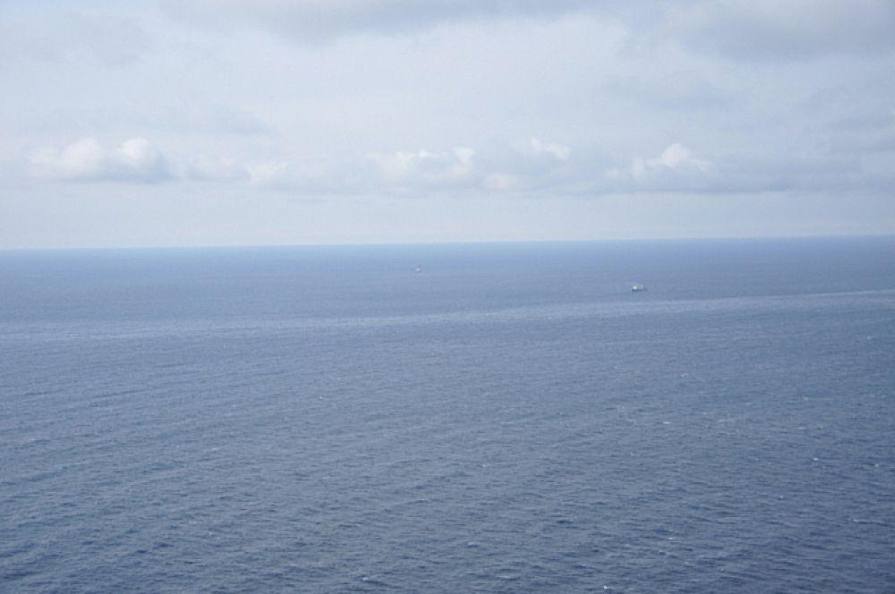 Волнения на море нет, поэтому видимость хорошая.