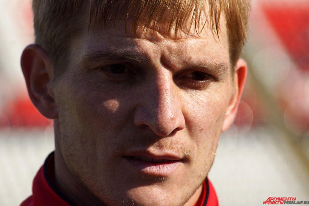Игорь Пикущак, нападающий красно-черных.