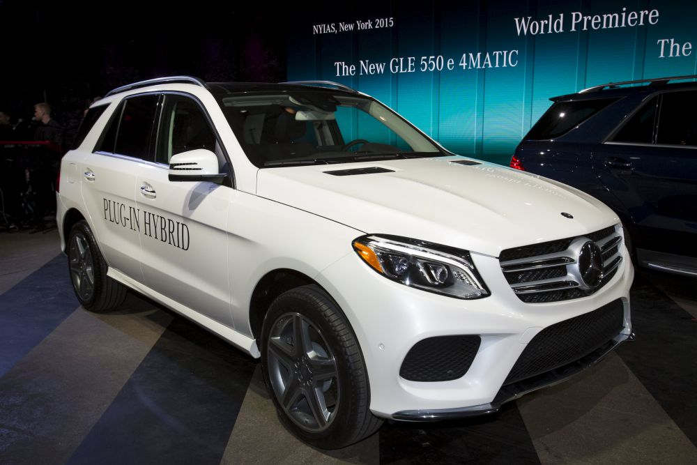 Компания Mercedes-Benz выпустила гибридный внедорожник мощностью 329 лошадиных сил  Mercedes-Benz GLE 550.