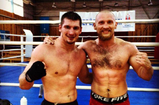 Дмитрий Кудряшов (на фото справа) с Алексеем Папиным