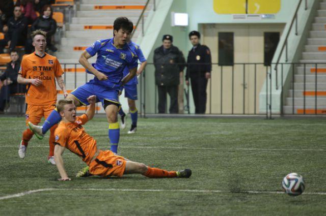 Играет молодёжная команда «Ростова».