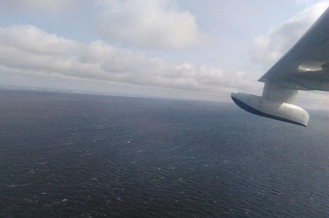 Родственникам предстоит полёт над Охотским морем.