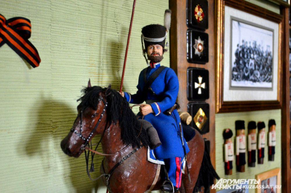 Но даже в кукольной тематике казак Михайлов про казаков не забывает.