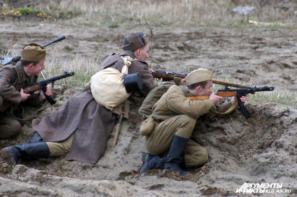 Советские войска подошли к границам Восточной Пруссии в августе 1944 года. Тогда же активизировались союзники. В октябре 1944-го войска Красной армии перешли границу и заняли несколько населенных пунктов, однако упорное сопротивление немцев вынудило приостановить наступление.