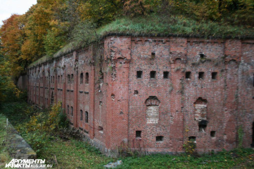 Форты долгое время стояли бесхозными, но под охраной, как имеющие военное значение.