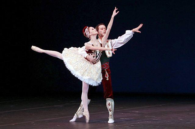 Солисты балета Большого театра Анастасия Сташкевич и Вячеслав Лопатин.