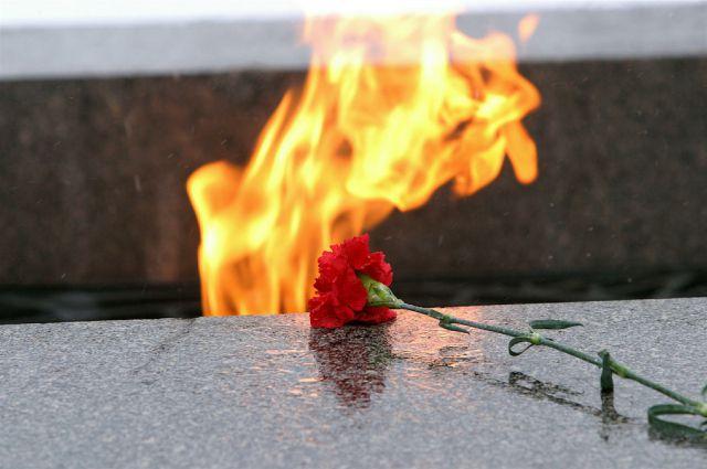 Дети военных вспоминают погиших отцов.