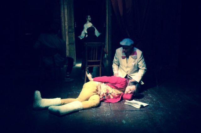 Актер «Коляда-Театра» Олег Ягодин переквалифицируется в журналиста