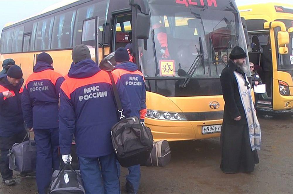 Для доставки рыбаков в медучреждения были выделены специальные автобусы.