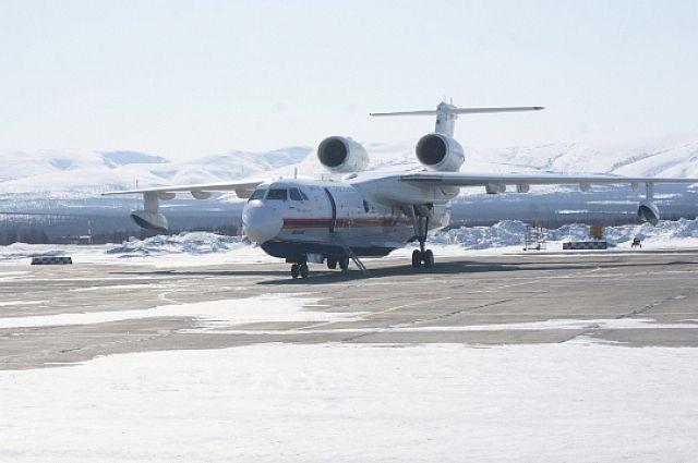 Самолёт Бе-200 приземлился на Сахалине.