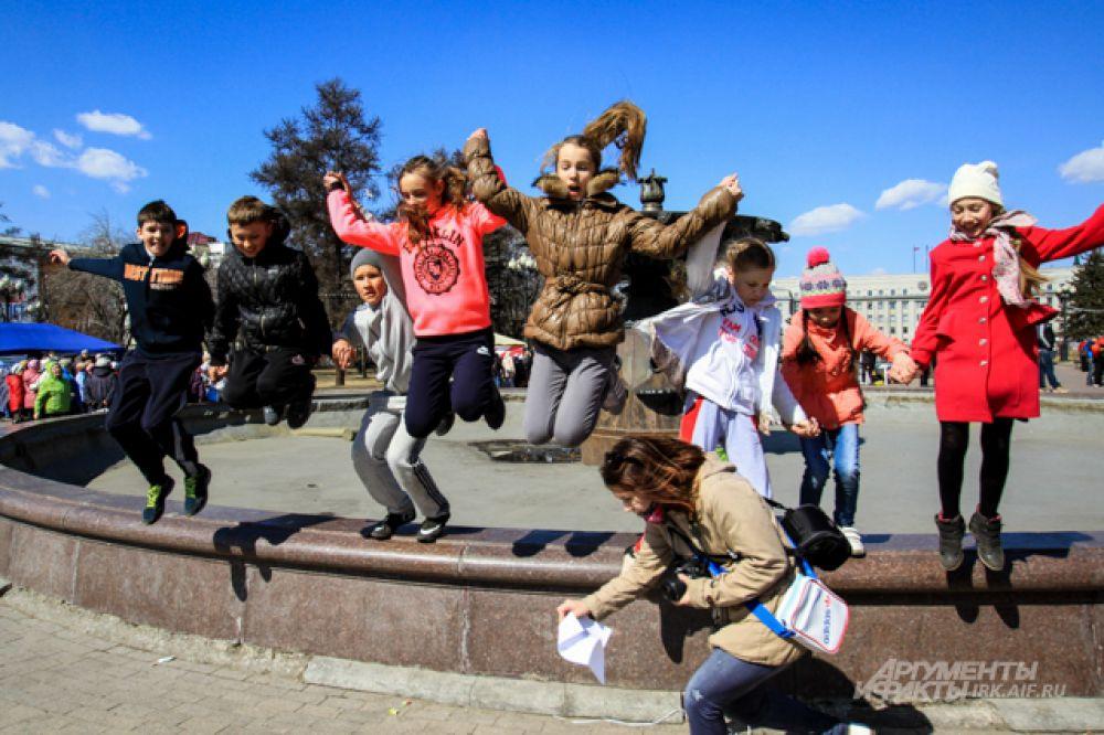 Во время акции проходили викторины по профилактике сердечно-сосудистых заболеваний и здоровому образу жизни, в которых с большим желанием принимали участие школьники.