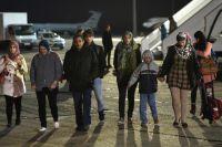 Вынужденно покинувшие Йемен граждане России и других стран после прибытия в Москву.