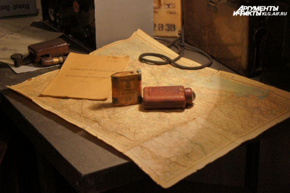 В музее можно познакомиться с различными подлинными документами военных лет – справками, характеристиками, планами, схемами и боевыми донесениями.
