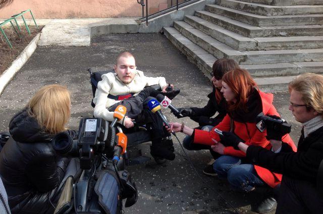 Валерия несколько последних дней атакуют журналисты.