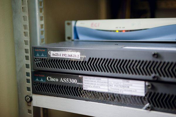 Оборудование Cisco AS5300 для доступа в Интернет по устаревшей технологии Dial-up— сервиса, позволяющего компьютеру, используя модем и телефонную сеть общего пользования, подключаться в сеть Интернет.