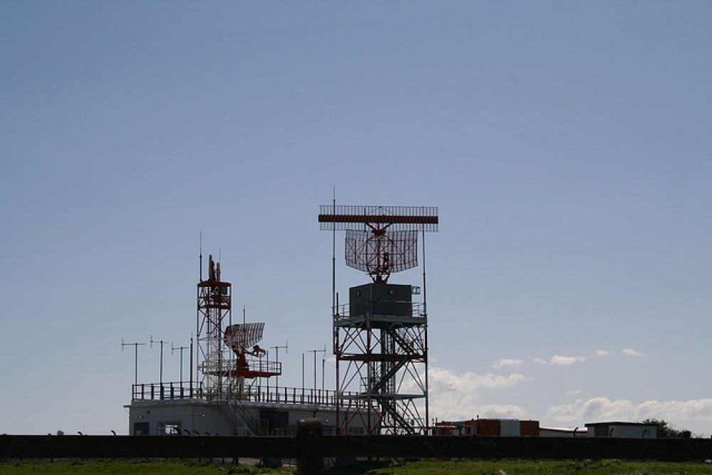 Шотландский физик Роберт Уотсон-Уатт в 1935 году продемонстрировал одно из первых устройств для радиолокации воздушных объектов. На фото - радиолокационная станция, расположенная в Дублине.