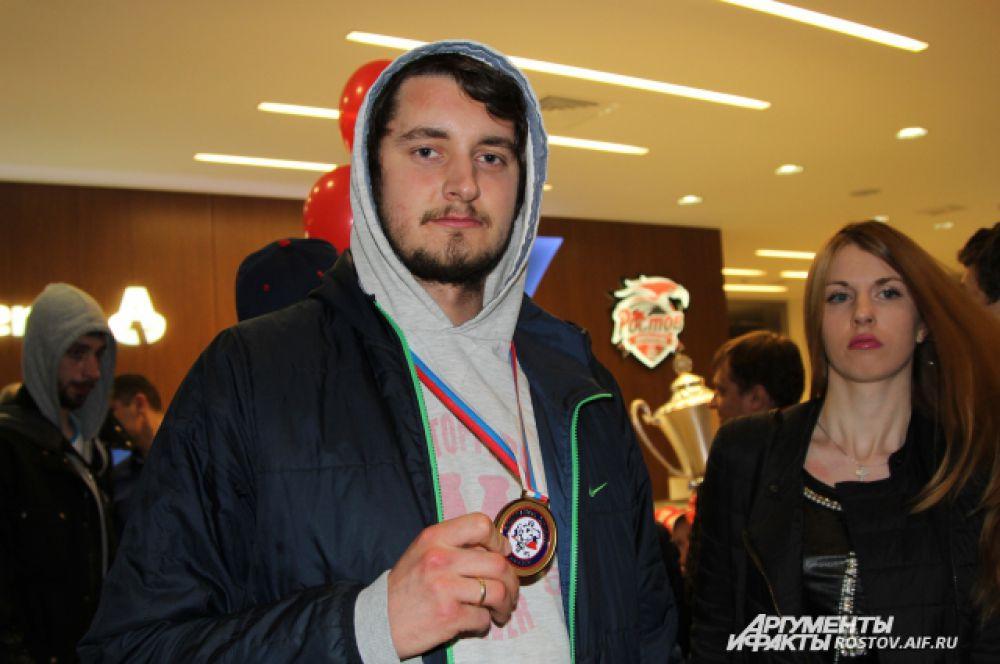 Хоккеисты с чувством выполненного долга вернулись в Ростов.